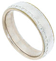 This 14K bi-colored mens antique style wedding band features a smoothly polished central band with impressed edges