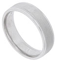 This 14K white gold mens wedding band features a satin finished central band framed by strips of impressed milgrain and bright, polished edges