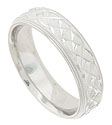 A twisting rope of faceted scallops cover the face of this 14K white gold mens wedding band