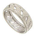 A detailed pattern of large twisting leaves covers the face of this 14K white gold vintage wedding band