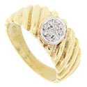 Diagonal bands are found around the circumference of this 18K yellow gold estate wedding band