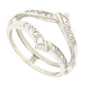 This 14K white gold vintage wedding band is decorated with a pair of curling leaves frosted in fine faceted diamonds