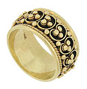 Spectacular Etruscan work adorns the surface of this 14K yellow gold estate wedding band