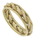 This handsome 14K yellow gold wedding ring features a thick woven rope of gold framed by richly faceted bands