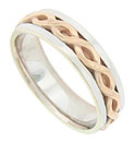 A wide chain of red gold is pressed into the center of this 14K white gold antique style mens wedding band
