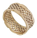 This lovely 14K rose gold wedding band features an open weave lattice filigree edged in bold scallops
