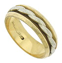 A wide, twisting rope of 14K white gold adorns the center of this handsome yellow gold estate wedding band