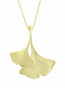 This elegant 14K yellow gold estate necklace features a double leaf ginko pendant
