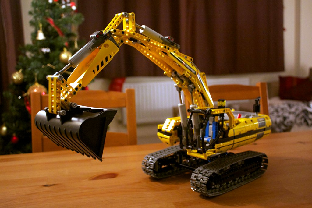 Lego 8043 excavator completed model