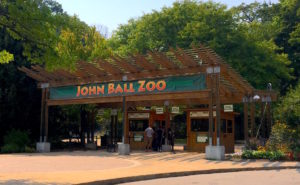 John_Ball_Zoo_entrance