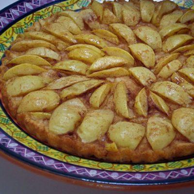 White nectarine tart