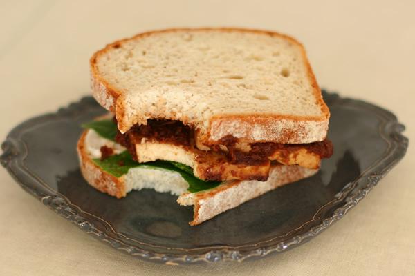 BBQ tofu sandwich