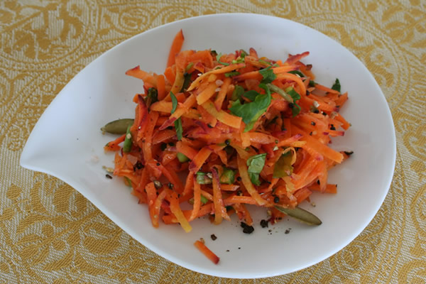 Raw Moroccan Carrot Salad