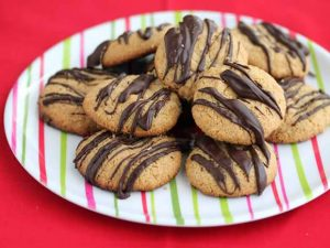 Peanut butter cookies from Jeanette's Healthy Living   featuring on Recipe Renovator