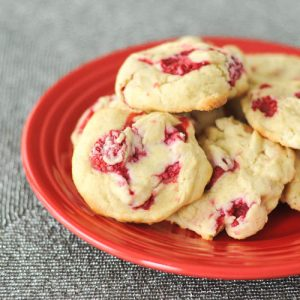 raspberry lemon cheesecake cookies from Spabettie | Recipe Renovator Christmas cookie feature