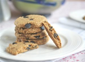 Butterscotch-oatmeal chocolate chip cookies from Ricki Heller | Month O' Cookies on Recipe Renovator