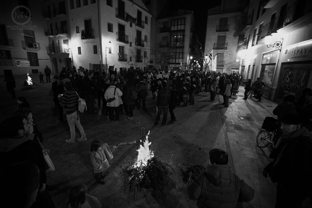 VLNC fire 5331 Edit Edit Edit web Photo Essay   Foguera Dels Velluters 2012   Bonfire in the Plaza del Pilar