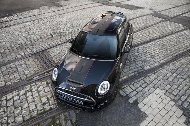 MINI Carbon Edition (December 2015)
