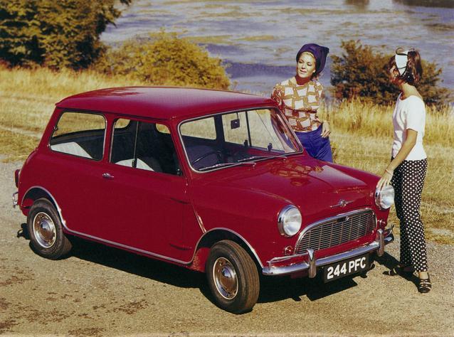Calendar sheet of January: 1962 Morris Mini Super (03/2009).