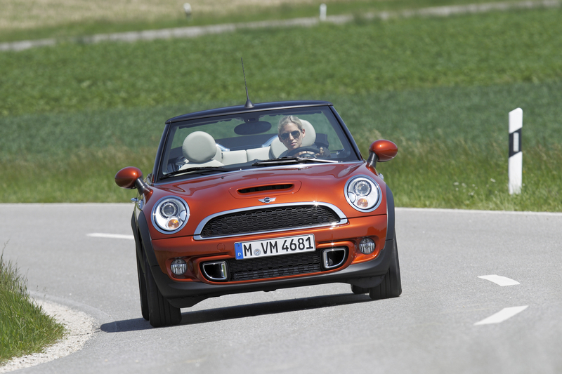 2011 MINI Cooper S Convertible<br />