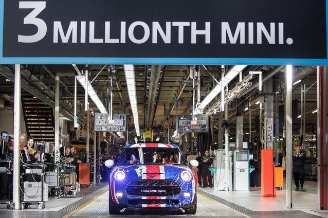The three millionth MINI is driven off the production line at Plant Oxford (9 September 2014).