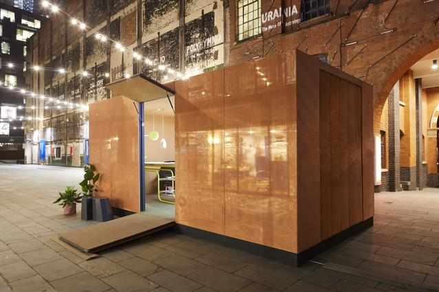 The MINI LIVING - URBAN CABIN is revealed today on the Southbank as partof London Design Festival 2017. The brand has collaborated with London based architect Sam Jacobs on the installation, to explore how innovative design can help support our ever-growing cities and the increasing demand for multi-purpose communal spaces.
