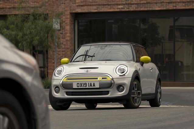 The new MINI Cooper SE (07/19).<br />