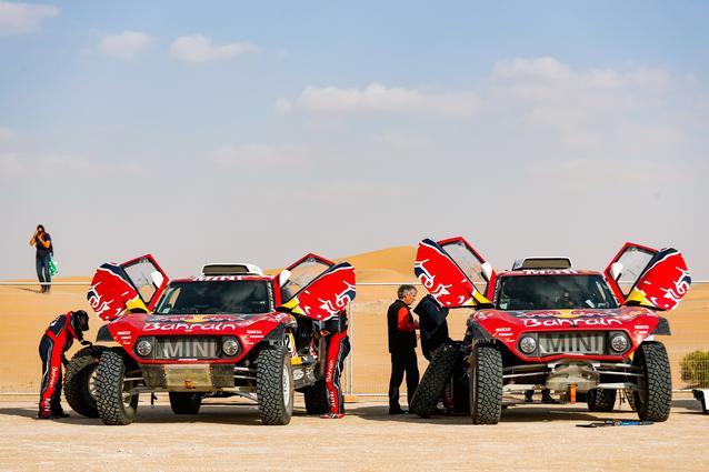 Munich (GER), 17th January 2020. Dakar Rally, Saudi Arabia, MINI JCW Buggy, Carlos Sainz, Stéphane Peterhansel.