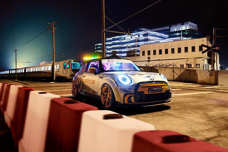 MINI Electric Pacesetter - FIA Formula E Safety Car