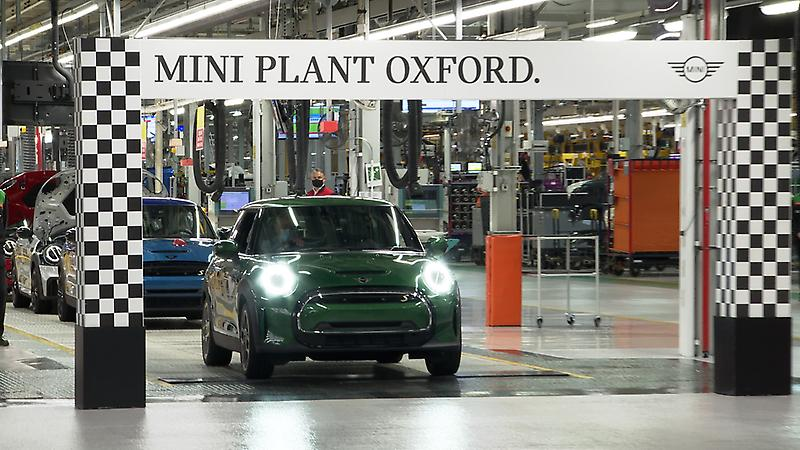 HRH The Prince of Wales visits MINI Plant Oxford<br />
