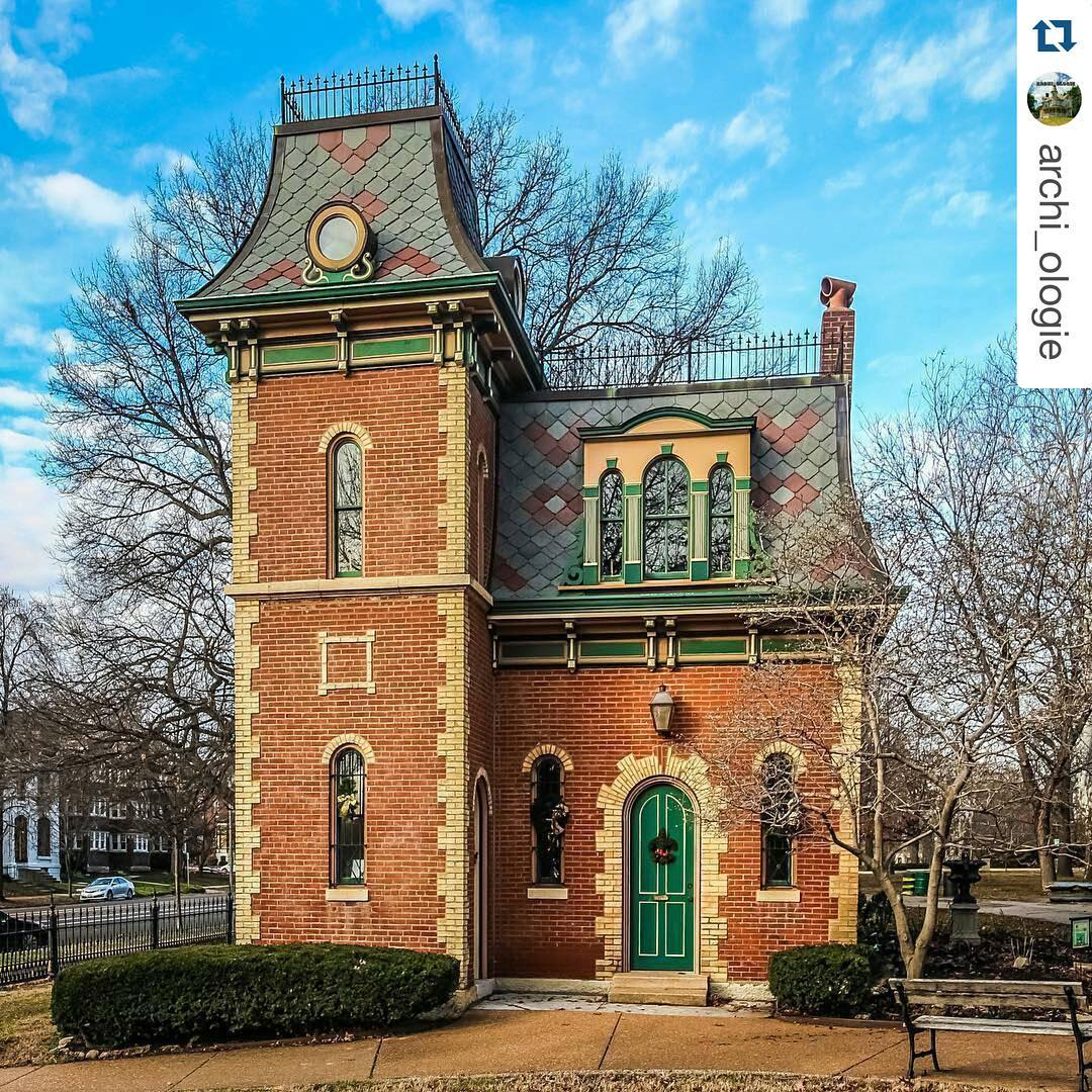 The Park House, built in 1867. Photo credit @archi_ologie. #lafayettesquare  #
