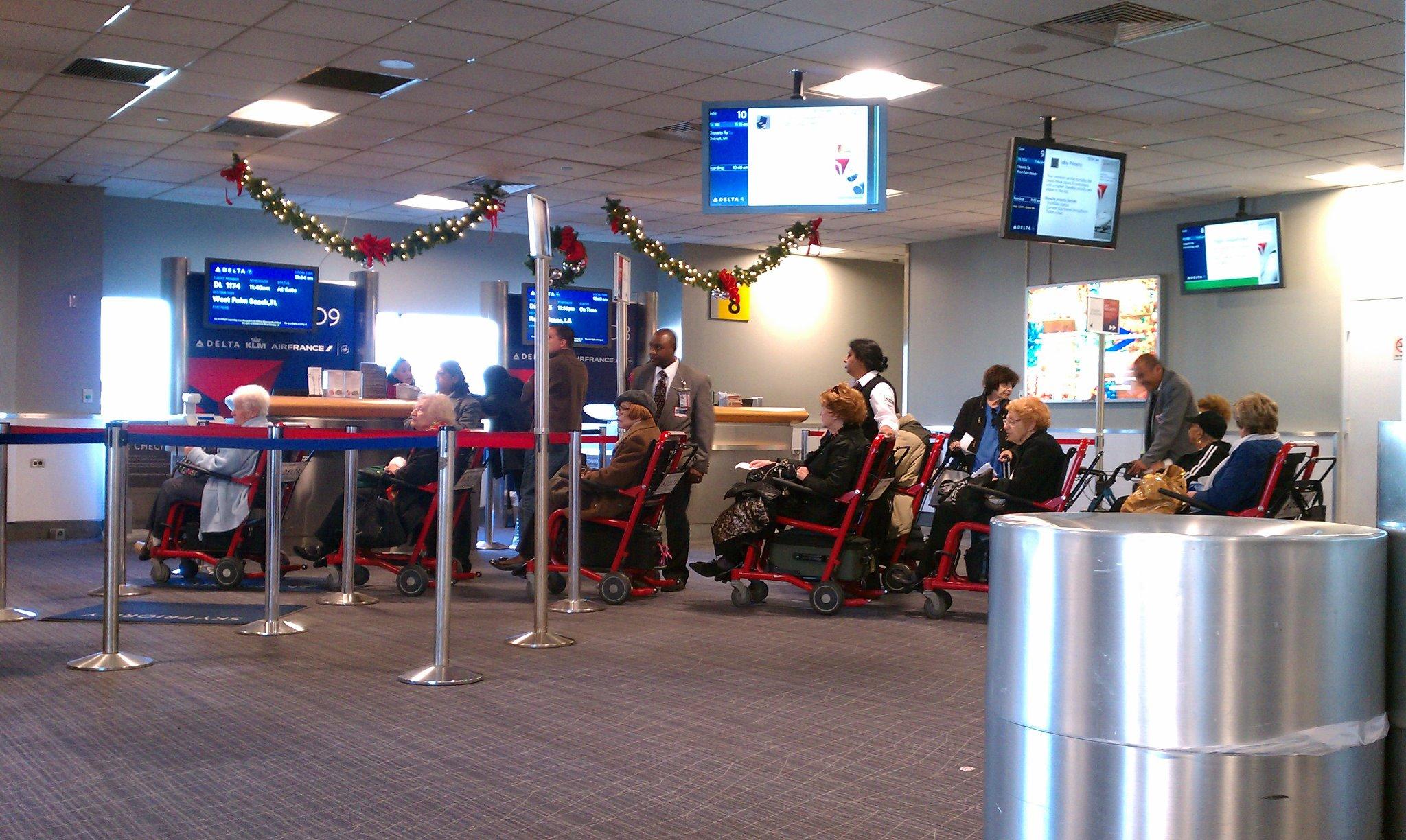 Bubbes TSA airport
