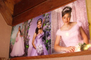 Sixty percent of Doré Photography Studio's customers come for quinceañera portraits.
