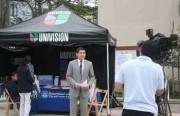 Noticias Univision reporter Alejandro Mendoza reported live from the City College campus