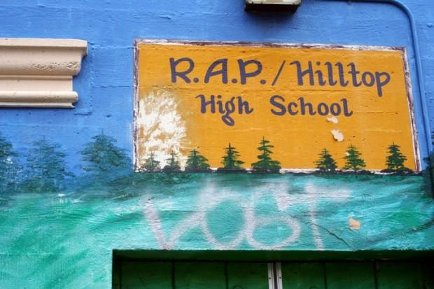hilltopsign