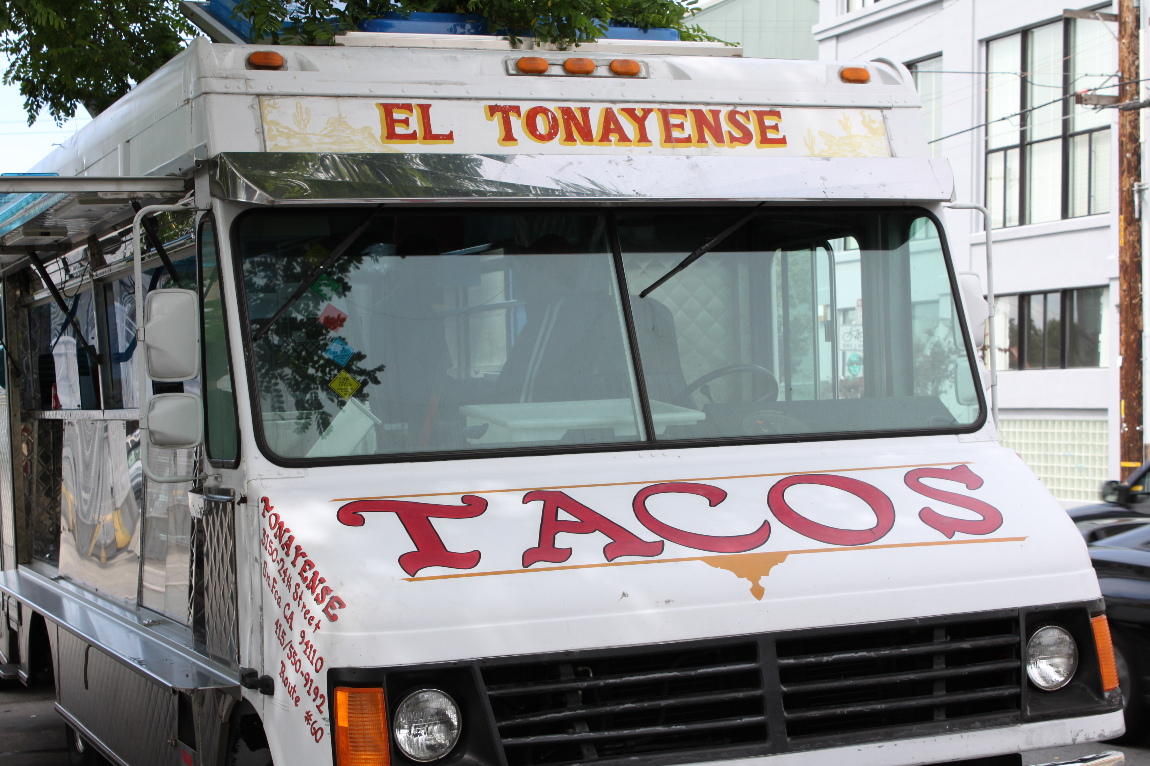 El Tonayense Taco Truck's New View ?
