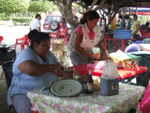 Women preparing food for the celebration. (Francisca Ortega)