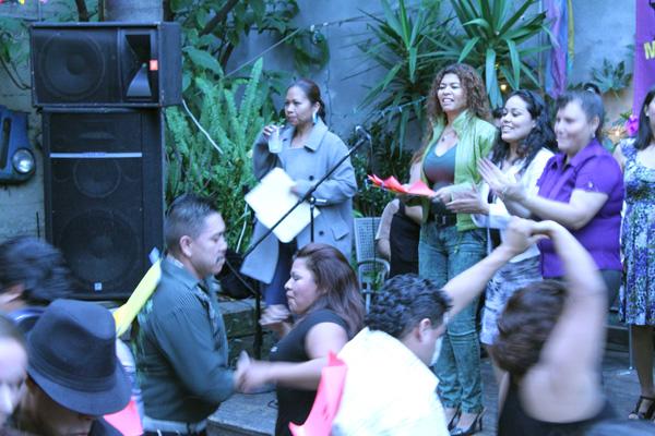 Mujeres Unidas Dance to Empowerment at El Rio