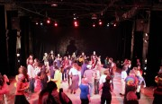 The night ended with the entire audience singing and dancing on stage to Makrú's Latin fusion beats.