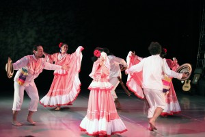 The moves and smiles of the Colombian Soul Dance Company lit up the stage.