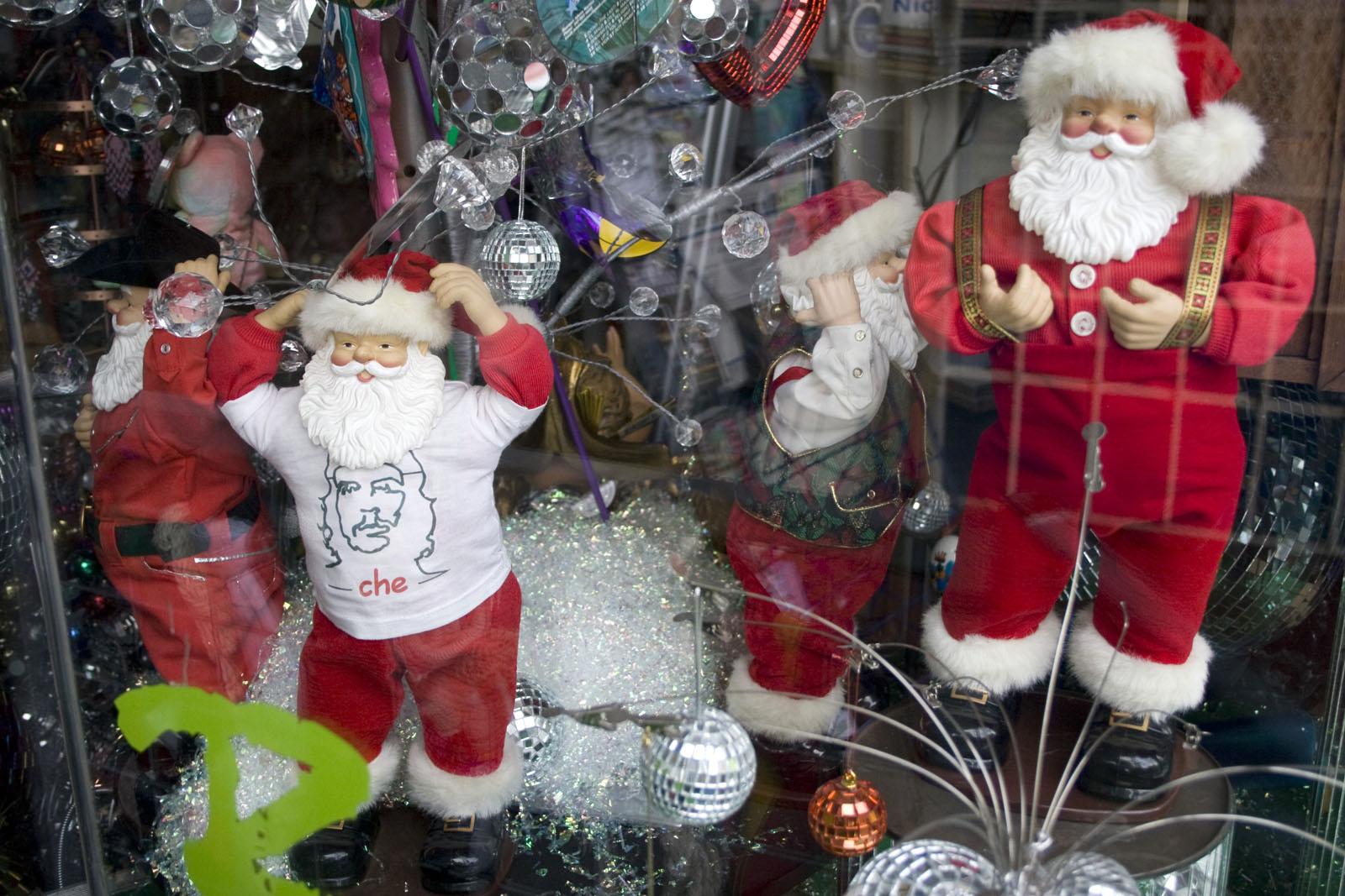 Dancing Santas! Inside!
