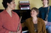 The Bernal Hill Players are, from left to right, Martha Rodriguez-Salazar on flute and voice, Jennifer Peringer on piano, and Leah diTullio on clarinet. Photo by Mabel Jiménez.