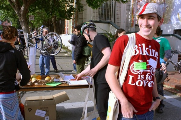 Ian Conover- the Spanish-speaking part of the SFBC's bilingual bike stop at Caesar Chavez and Harrison.