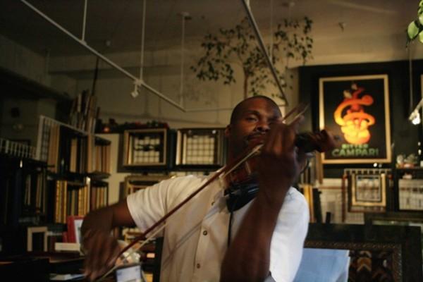 Kippy Marks performing Techno Fiddle. www.kippymarks.us.