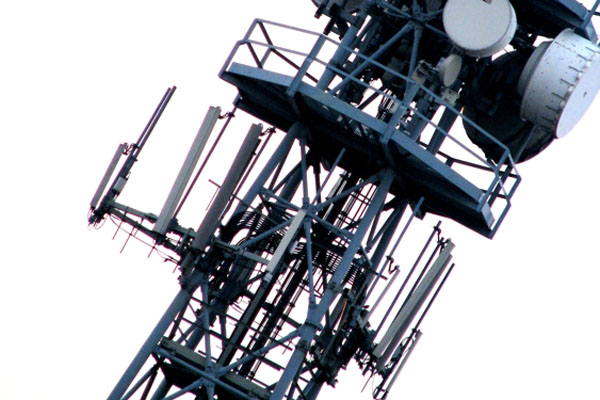 City Halts New AT&T and T-Mobile Antennas