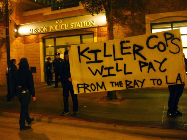 Protesta Enfrente de Estación de Policía