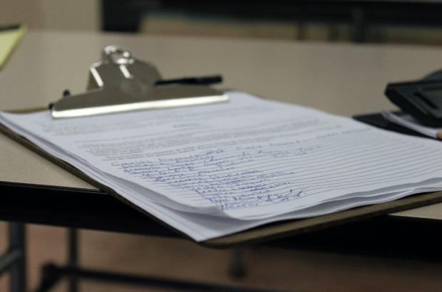 Maestros Crean Petición en Contra de Eliminación de Financiamiento para Escuela Primaria Moscone