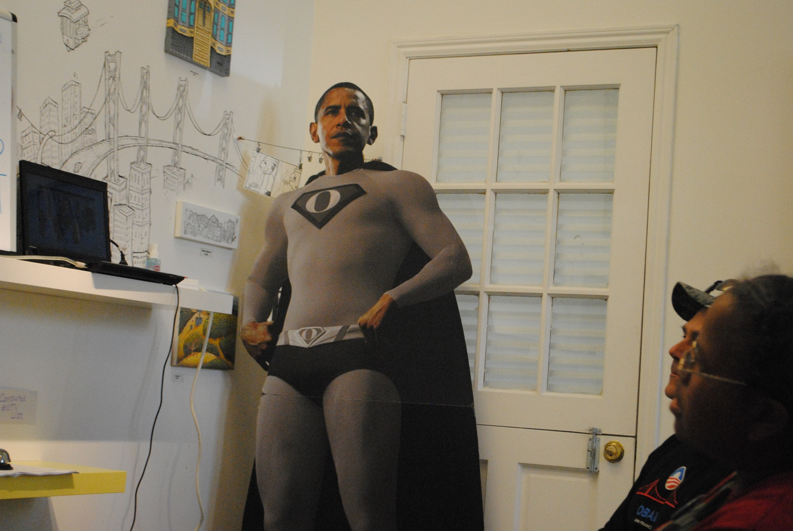 Obama Office Opens at Valencia Gallery