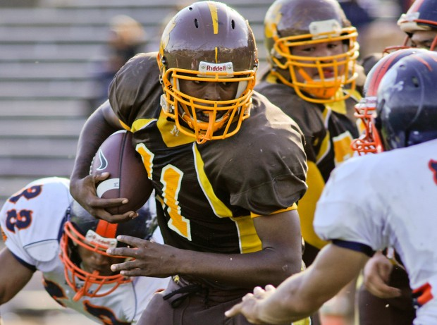 Mission running back Davonta Gaines was key in carrying the Bears to victory against the Balboa Buccaneers.