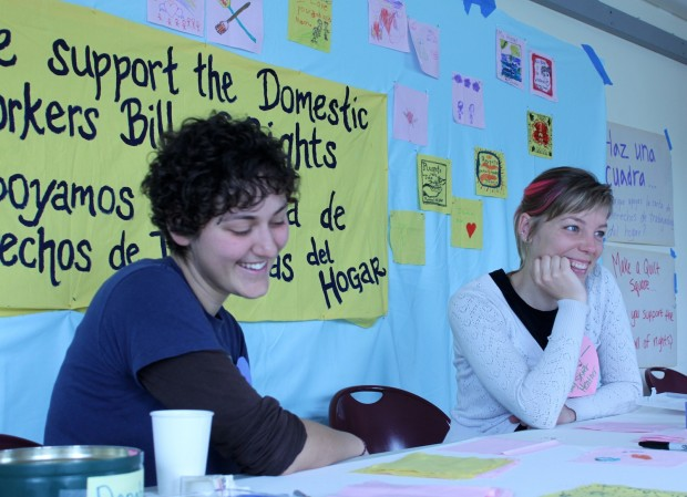 Grupo de Personas Se Reúne para Apoyar Proyecto de Ley para Trabajadores Domésticos